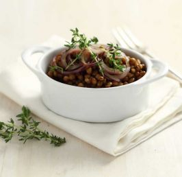 Baby lentils with red onion and thyme