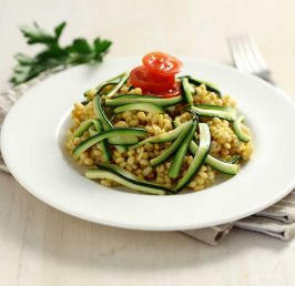 Barley risotto with saffron and courgettes