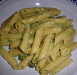 Quill Pasta with Peas and Stracchino Cheese