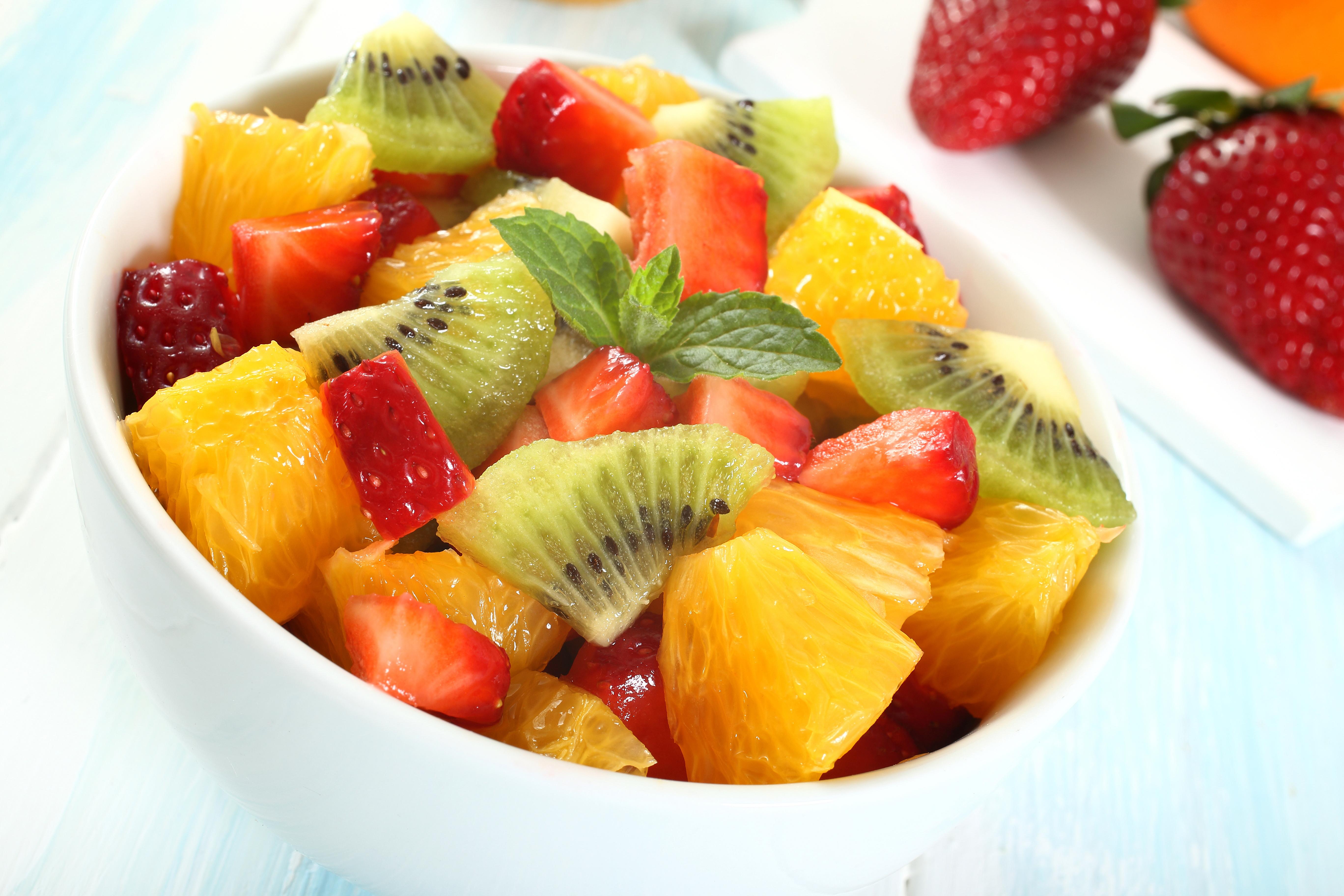 Frutta di stagione la spesa di aprile - Contorno di immagini di frutta ...